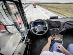 Daimler-Future-Trucks-Autonomous-Trucks-all-Set-for-2025-5