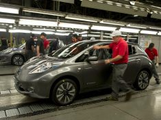 nissan-sunderland-plant-starts-production-of-leaf-ev-video-photo-gallery_19