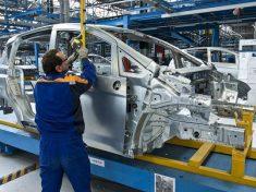 ford-b-max-job-one-05-465x215