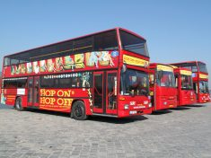 Giraffe-Hop-on-Hop-off-City-Tour-Budapest-Sightseeing-Busz-Berles-03
