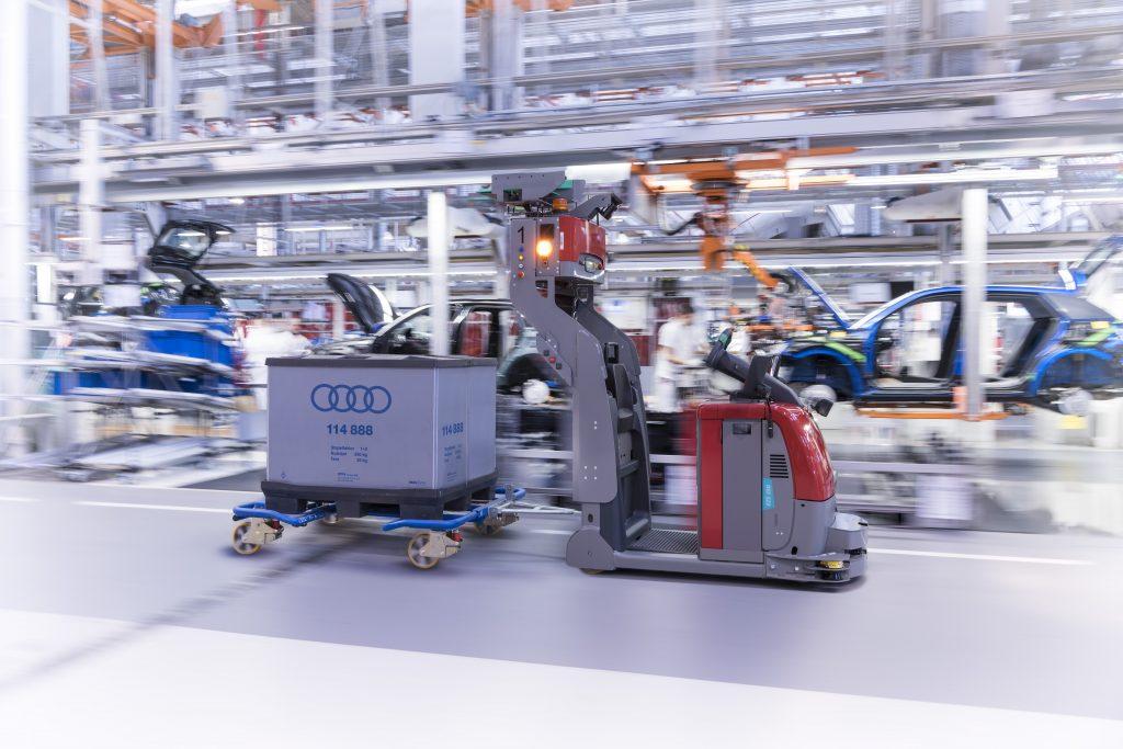Ilyen automatizált járművek már ma is közlekednek a gyárakban
