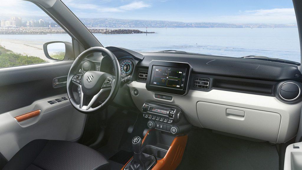 Suzuki-Ignis-White-interiors