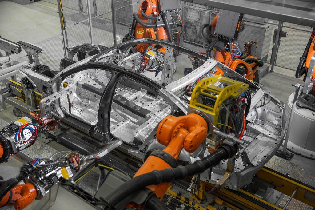 BMW-7-Series-production-LR-P90186317_highRes