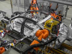 BMW-7-Series-production-LR-P90186317_highRes