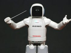 1280px-ASIMO_Conducting_Pose_on_4.14.2008