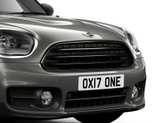 P90258966_highRes_mini-one-countryman-