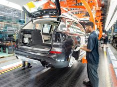 2018-BMW-X3-Spartanburg-Plant-Assembly-4