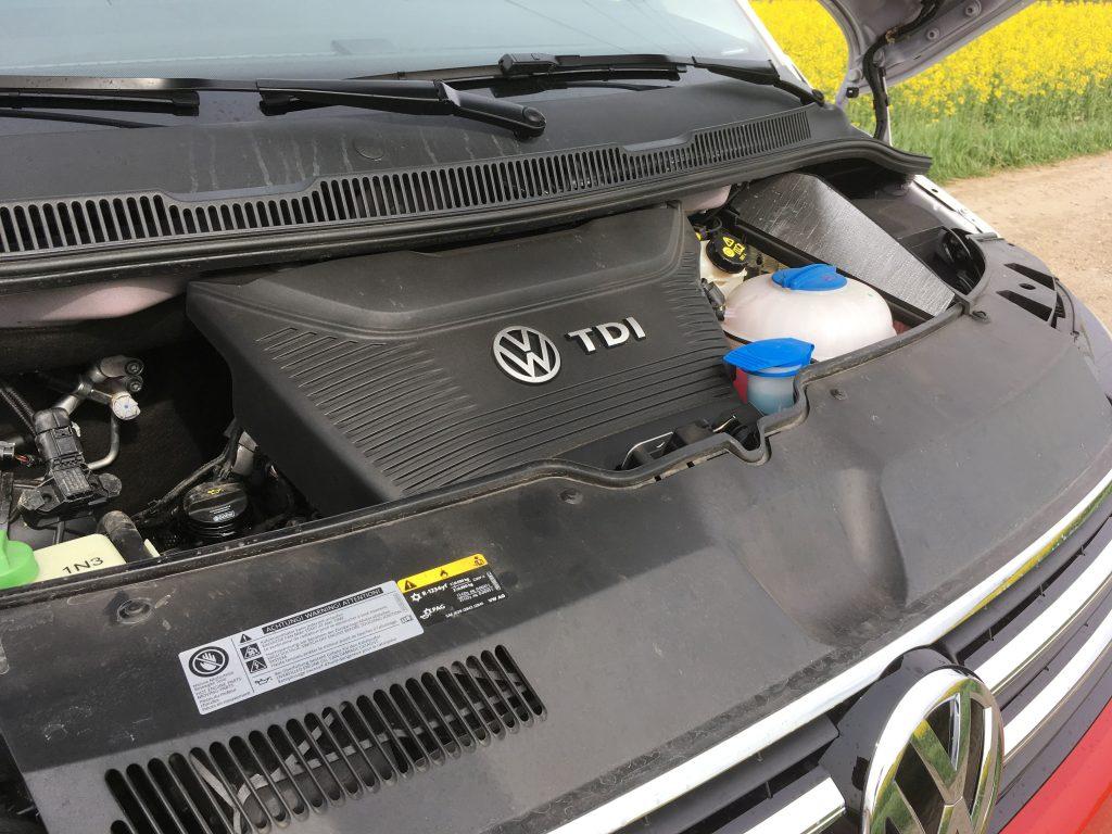 A kétliteres biturbó TDI legnagyobb teljesítménye 150 kW (204 lóerő), amelyet percenként 4000-es fordulatnál ad le. Maximális forgatónyomatéka 450 Nm, ami már 1400-as fordulattól a rendelkezésünkre áll
