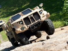 Oshkosh-JLTV-front-three-quarter-in-motion-14