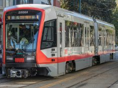 Erste Siemens-Stadtbahn startet Fahrgastbetrieb in San Francisco / Siemens-built light rail vehicles ready to begin revenue service in San Francisco