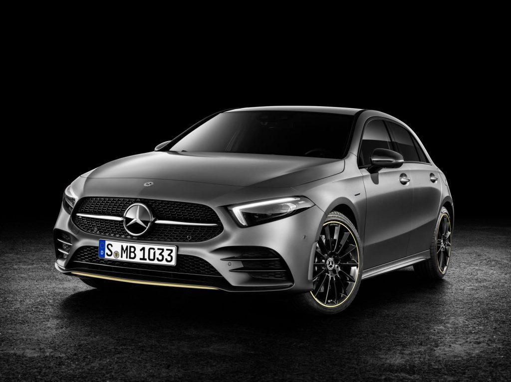 Mercedes-Benz A-Klasse Exterieur: designo mountaingrau magno Mercedes-Benz A-Class Exterior: designo mountain grey magno
