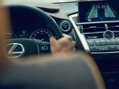 Lexus_aktiv_biztonsag_1