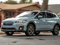 2018-Subaru-Crosstrek-2-0i-Premium-front-three-quarter-in-motion-06