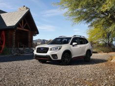 2019-subaru-forester-debuts-in-new-york-looks-familiar-yet-new-124632_1