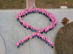 01 B-Pink kampány a tatabányai Bridgestone gyárban