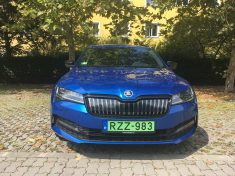 Skoda Superb Combi iV