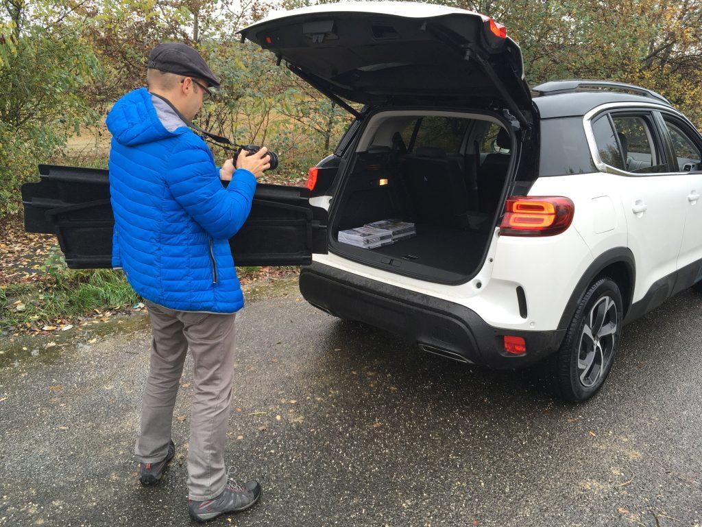 Katona Mátyás megörökíti a C5 Aircross megnövelt csomagterét